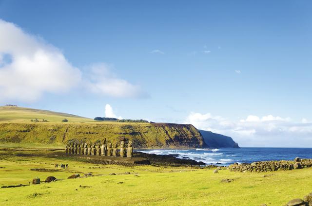 Der Ahu Tongariki auf der Osterinsel: Unter den 15 Moais befindet sich die mit 86 Tonnen schwerste Steinfigur, die die Rapa Nui jemals errichteten.