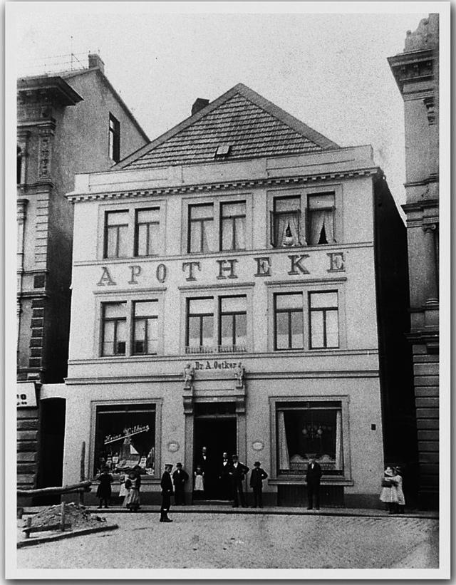 Im Hinterzimmer dieser Apotheke in Bielefeld entwickelte Dr. August Oetker 1891 sein Backpulver.