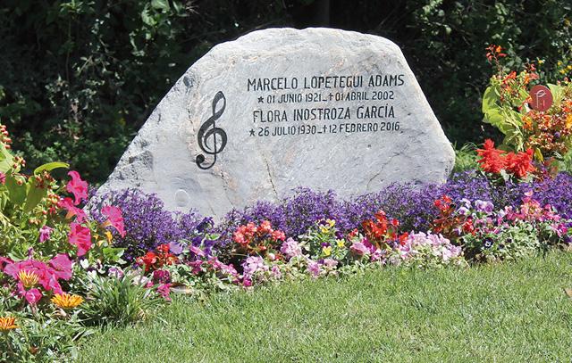 Grabstelle der langjährigen Vorsitzenden der Musikwochen Flora Inostroza auf dem Lutherischen Friedhof bei Frutillar