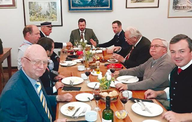 Besuch der Politiker der FPÖ in Valdivia im Club de la Unión