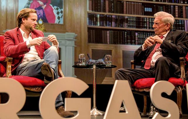 Axel Kaiser und Mario Vargas Llosa im Gespräch: Der peruanische Literaturnobelpreisträger befand sich vergangene Woche in Santiago de Chile, wo er sein neues Buch über Liberalismus vorstellte.