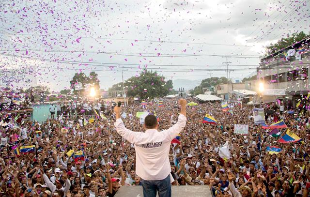 Javier Bertucci, evangelikale Prediger und Präsidentschaftskandidat, spricht bei einer Wahlkampfveranstaltung. Venezuela feiert am 20.05.2018 Präsidentschaftswahlen durch. Foto: Rayner Peña/dpa