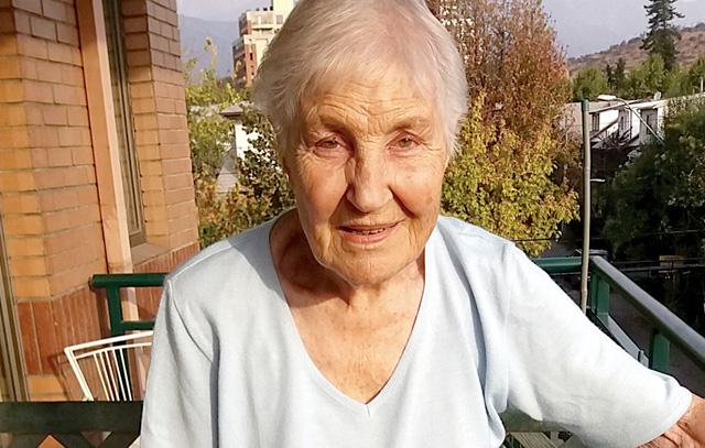 Lieselotte Schwarzenberg Matthei lebt heute im Seniorenwohnheim Hualtatas in Santiago de Chile. Im Cóndor-Porträt berichtet sie über ihr Leben, das sie auch nach Deutschland führte.