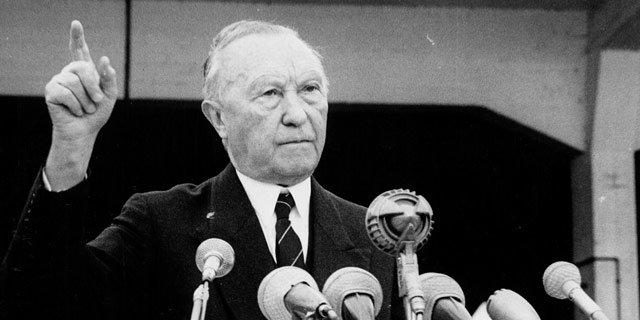 Bedrohung aus dem Osten und die Gefahr einer möglichen Isolierung: Unter diesem Eindruck treibt Konrad Adenauer als erster Bundeskanzler die Westintegration der BRD voran.